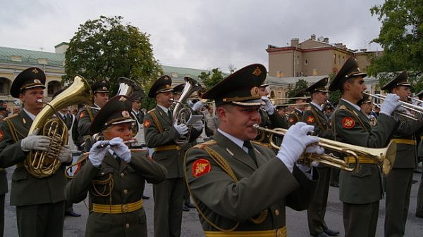 Прощание славянки: Романтическая история военного марша