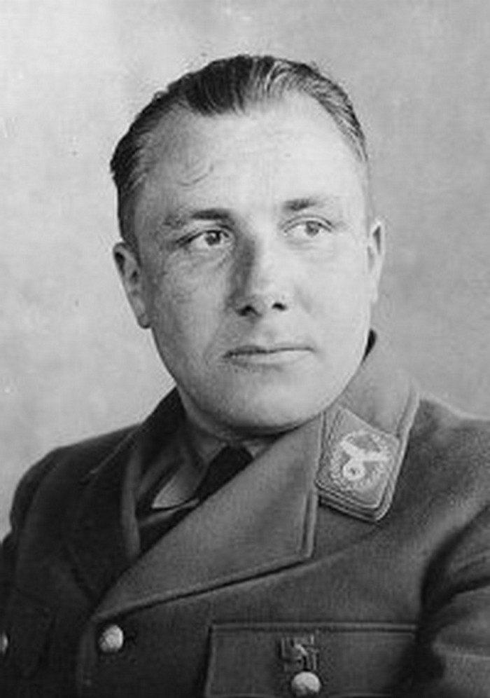 Подвиги Гитлера и Бормана, о которых не знают