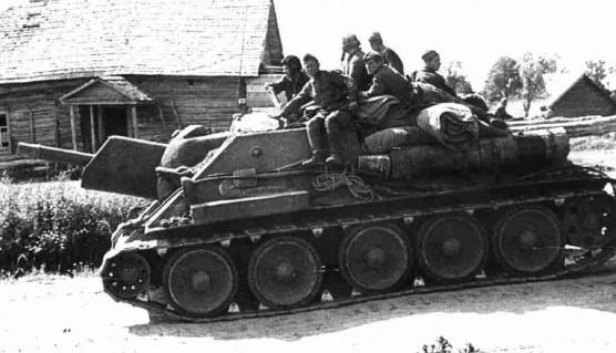 Все поле боя было усеяно горящими танками