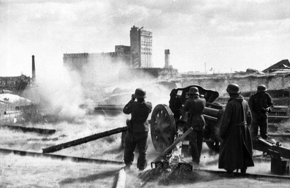 a history of the battle of stalingrad in august 1942 The five months of fighting in stalingrad between august 1942 and february 1943 is regarded as the bloodiest war battle in history us news & world report lp.