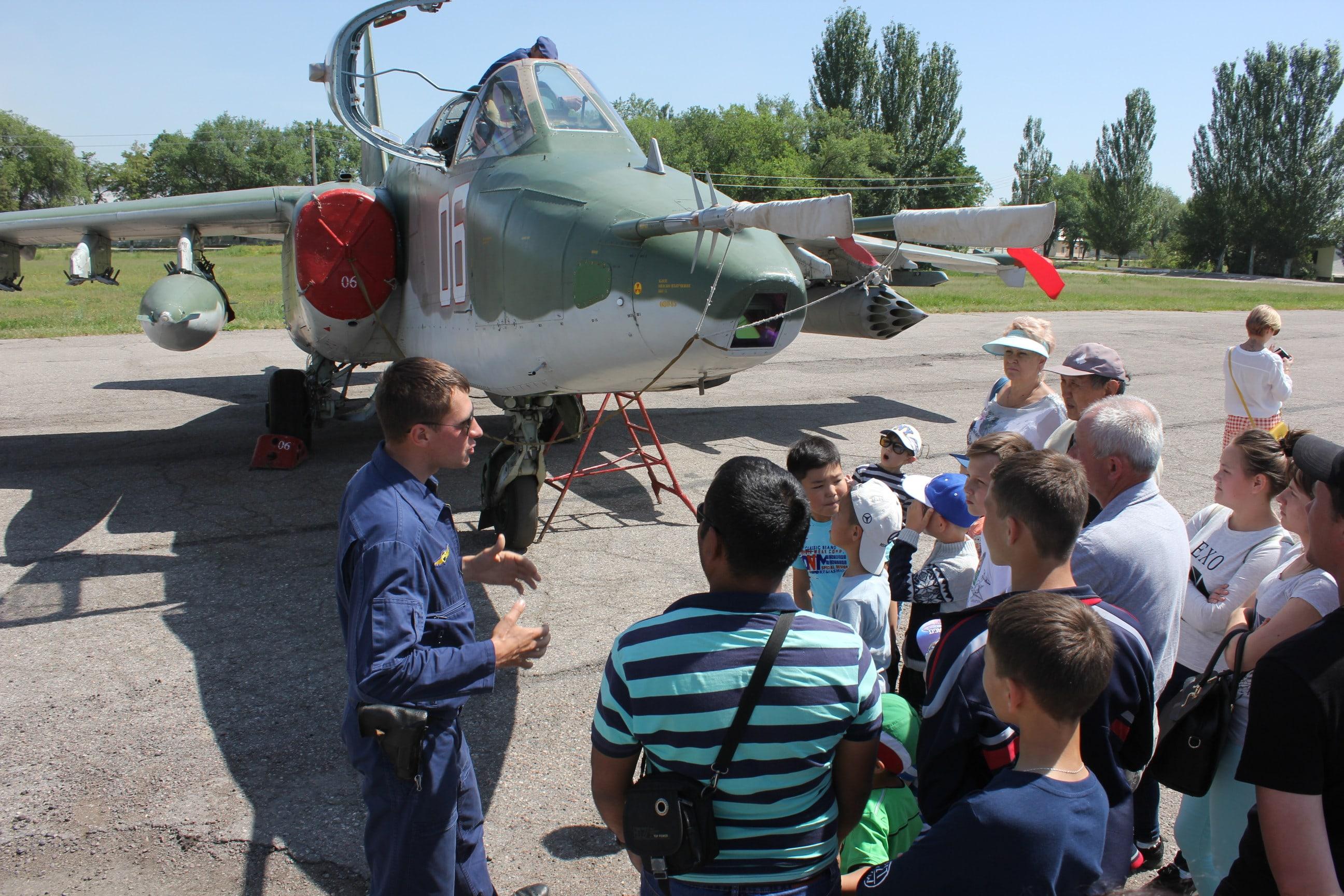 Экскурсия по авиабазе ОДКБ «Кант»