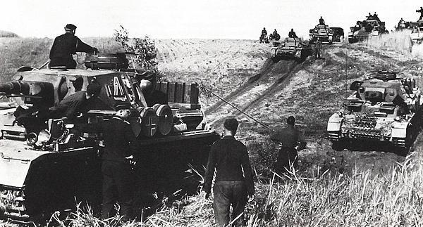 Как хитрый командир остановил восемь фашистских танков не потратив ни одного патрона...