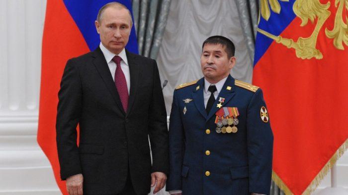 Как полковник Серик Султангабиев спас жизнь младшему сержанту