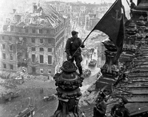 Как устанавливали знамя на Рейхстаге: рассказ из первых уст