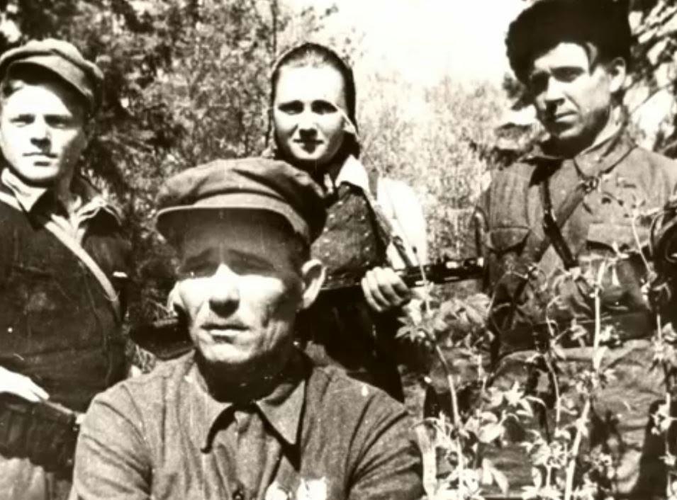 Батька Минай и четверо его расстрелянных детей...