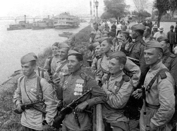 Как наша разведгруппа из 25 человек разгромила 5-тысячный немецкий гарнизон