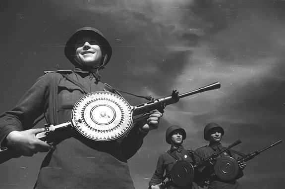 Пулеметчик, который сказал так-так-так двумстам фашистам