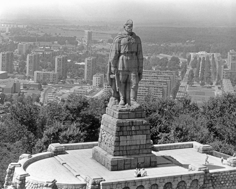 """""""Стоит над горою Алеша"""": Об Алексее Скурлатове знают даже те, кто его не знает"""