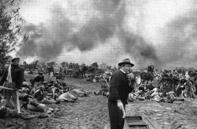 Роликовые коньки, 15 тысяч пехотинцев и 23 тонны взрывчатки