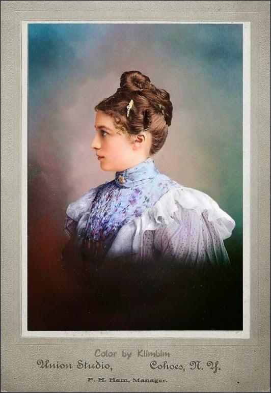 Женщины XIX века в цветных фотографиях