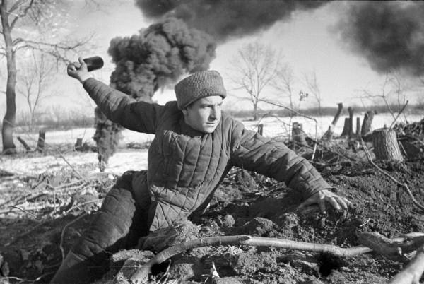 Сложно представить, но и в России есть люди, которые не любят праздник Победы...