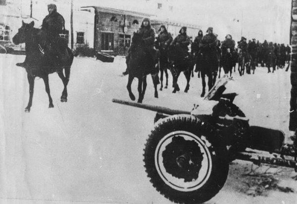 Как партизаны у врага город отобрали