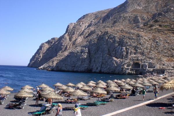 Санторини – остров, раскрашенный в цвета греческого флага