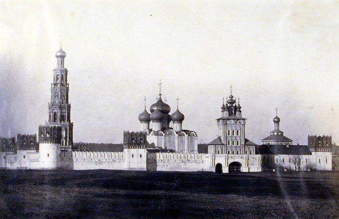 «Красная Москва»: как создавались легендарные духи