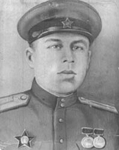 Шестнадцать смертей танкиста Спирина