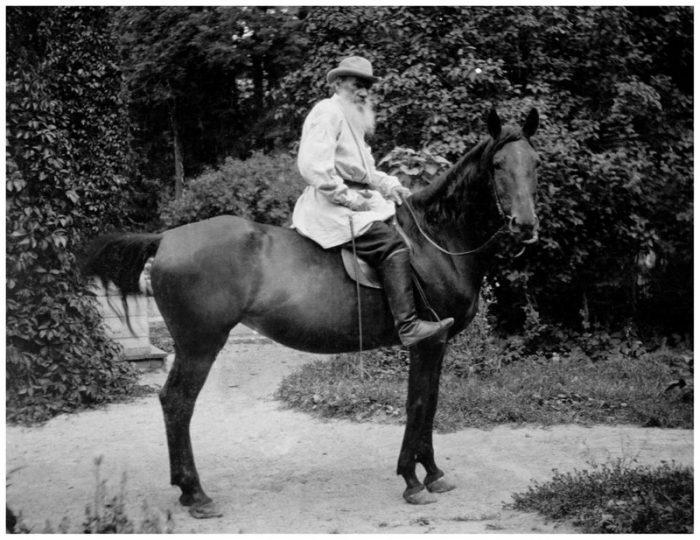 Будни Льва Николаевича Толстого в редких исторических фотографиях