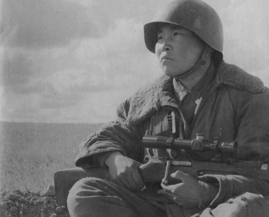 Герой Сталинграда Максим Пассар: стрелок видящий в темноте