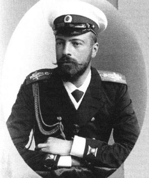 Почему великий князь Романов одобрил большевиков?