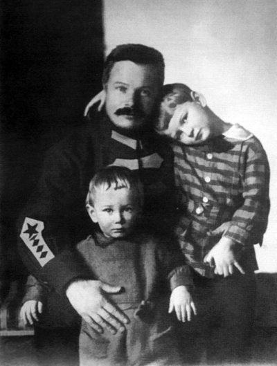 Жизнь и смерть Михаила Фрунзе
