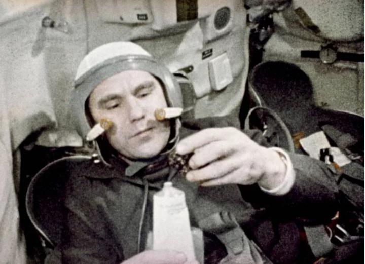 90 лет космонавту Владимиру Шаталову