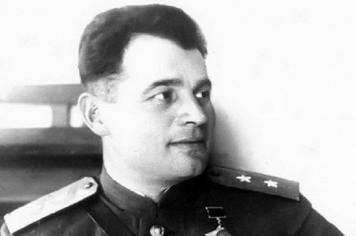 Дважды Герой Советского Союза генерал армии Черняховский