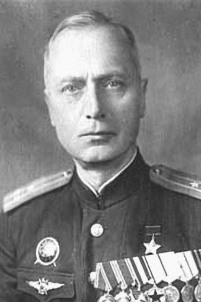 Семеро смелых: первые Герои Советского Союза