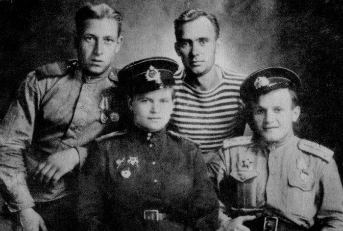 Евдокия Завалий — единственная девушка, командовавшая взводом морской пехоты