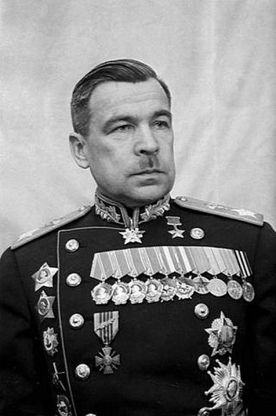 Царский офицер, советский маршал