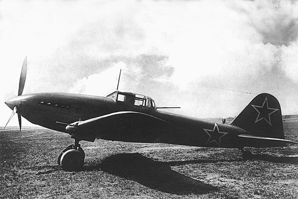 Первый полет штурмовика Ил-10
