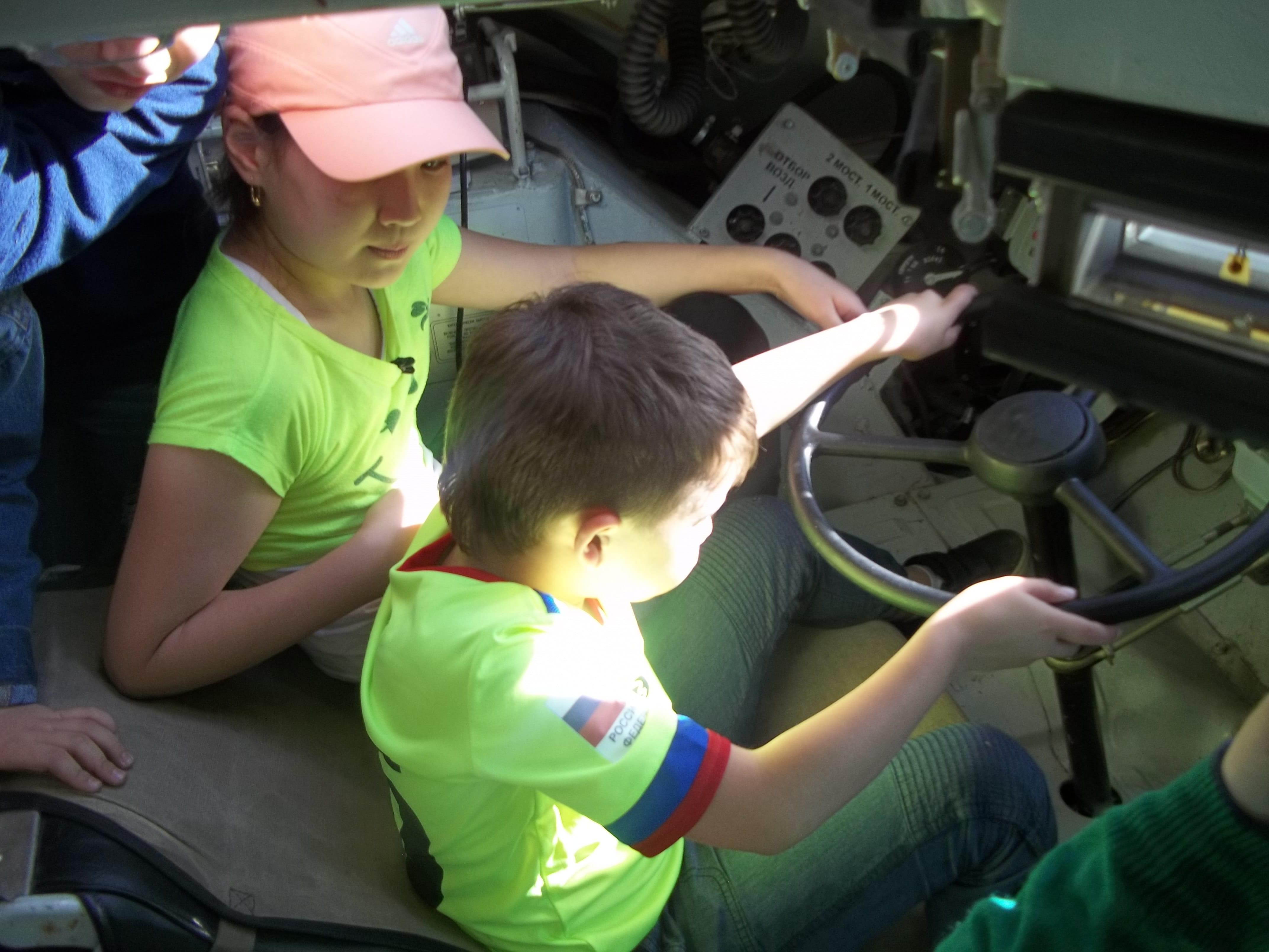 Экскурсия на авиационной базе ОДКБ «Кант» для учащихся образовательной комплекс-гимназии «Эврика»
