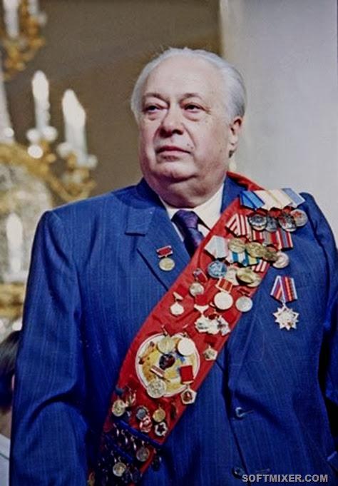 Знаменитый комментатор Николай Озеров