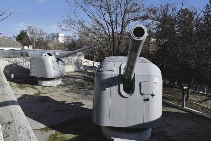 Грозные стражи Севастополя