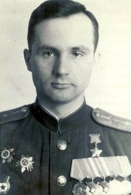 Советский лётчик-истребитель Виктор Александрюк