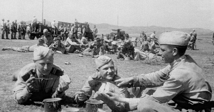 Война войной, а обед по расписанию. Кухня Великой Отечественной