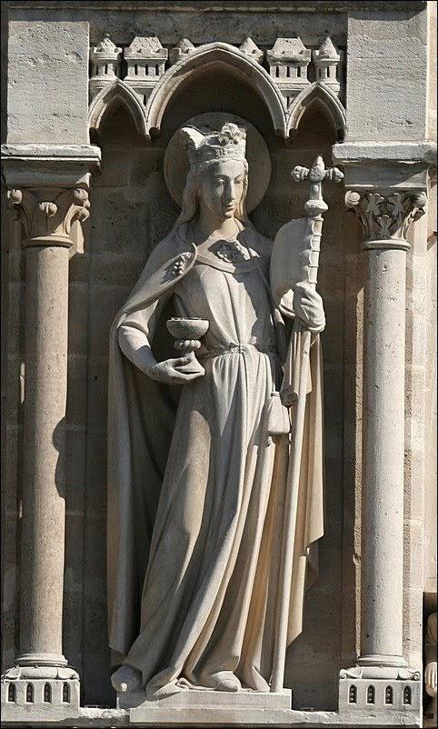 О чем рассказывает фасад готического собора