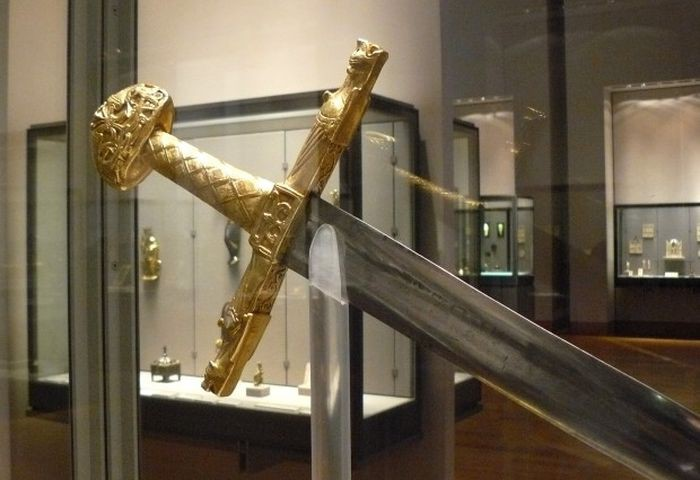 Знаменитые мечи о которых слагали легенды